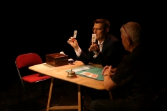 Do-as-I-do-card-trick-Alma-Theatre-Magic-show-in-Bristol_Uk